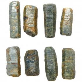 Cristaux bâtonnets bruts de saphir bleu - 2 à 3 cm - Lot de 2