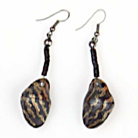 Boucles d'oreilles en graines exotiques