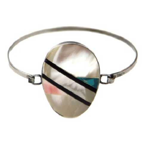 Bracelet métal et nacre à motif oval