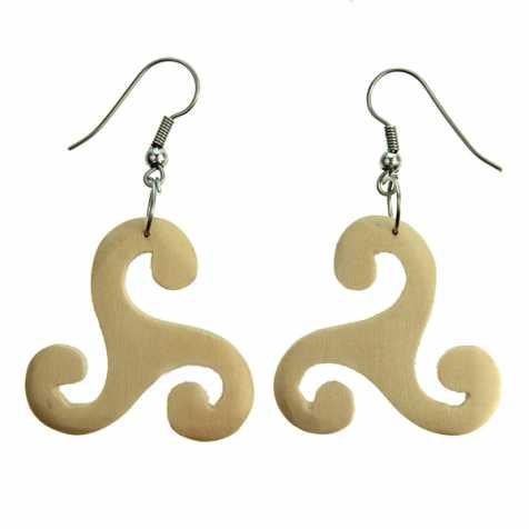 Boucles d'oreilles celtes triskell en bois d'acacia